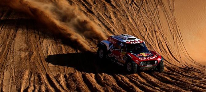 Al Attiyah gana la tercera etapa de autos del Dakar, Carlos Sainz pierde tiempo