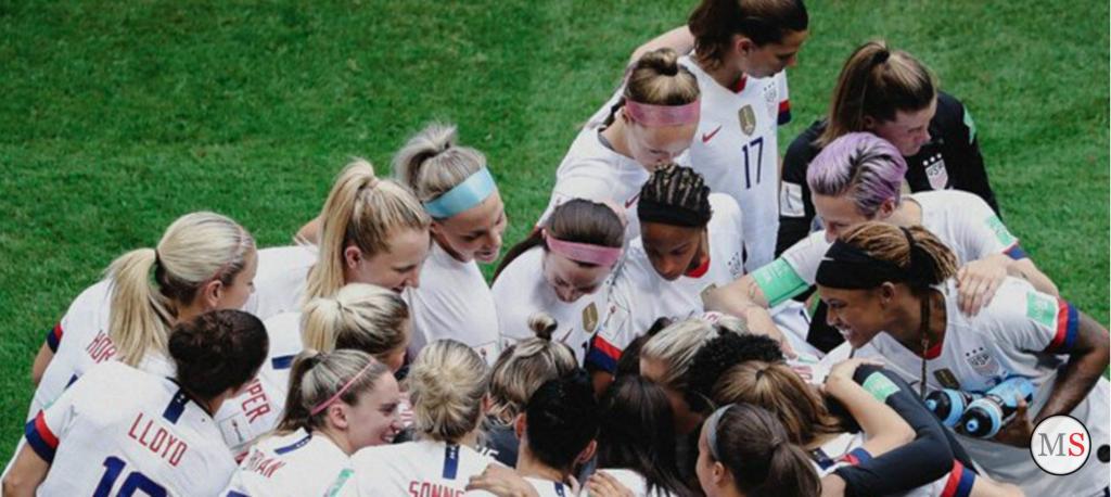 Federación de fútbol de EEUU paga igual a seleccionados masculinos y femeninos