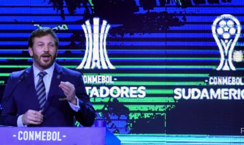 "Presidente de la Conmebol espera que pronto ""la pelota vuelva a rodar"""