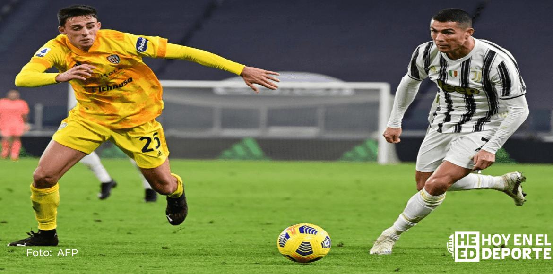 Juventus se coloca a un punto del líder Milan, Ronaldo empata con 'Ibra'