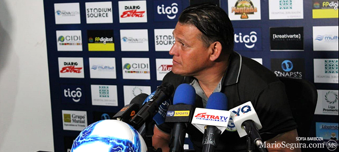 Geiner Segura está a un paso de ser asistente de Andrés Carevic