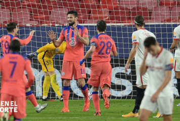 Giroud entrega el liderato al Chelsea en Sevilla con un póker de goles