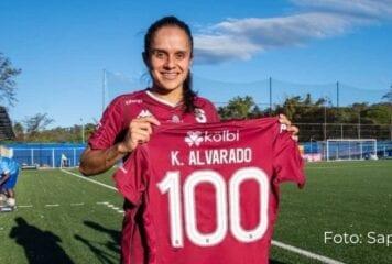 Katherine cumple 100 goles vestida de morada