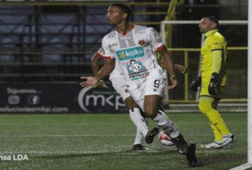 Chope asegura que convenció a Marcel de jugar como delantero