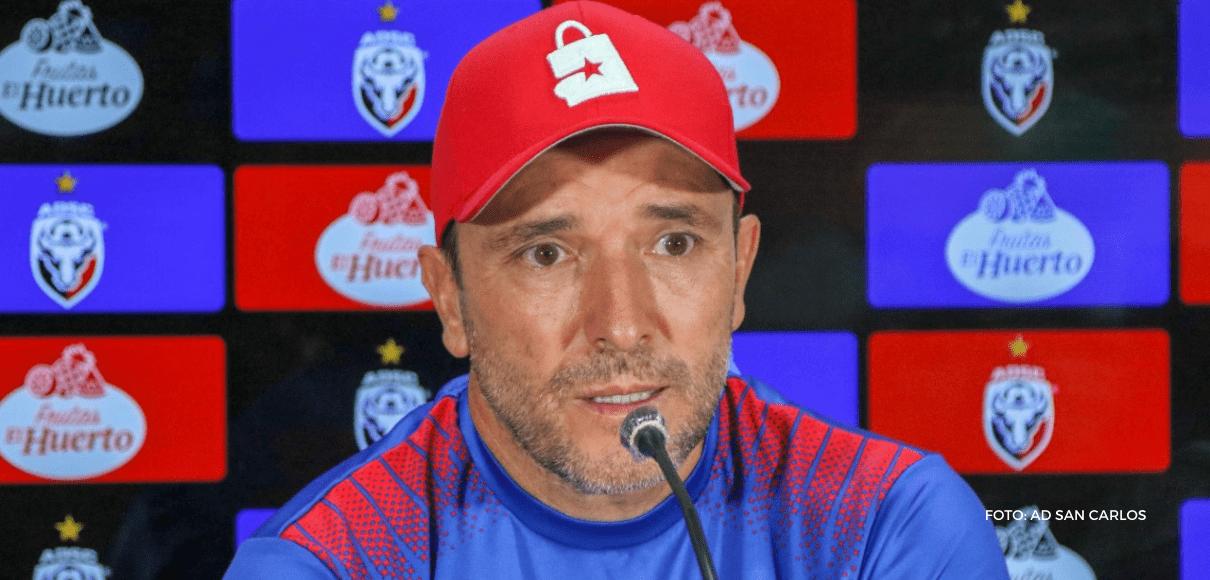 """Gustavo Martínez: """"Es un equipo que juega muy bien"""""""