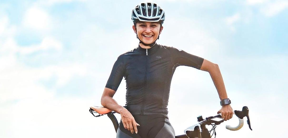 Milagro Mena; segunda mujer en dirigir un equipo de ciclismo