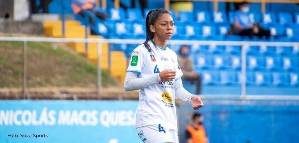 Jugadora de 19 años superó grave lesión de rodilla para jugar en Primera División
