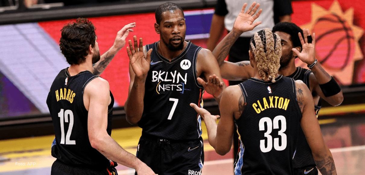 Durant regresa por todo lo alto en la NBA, pero Harden no juega