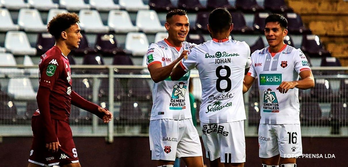 Alajuelense está a 2 partidos de terminar invicto la fase regular