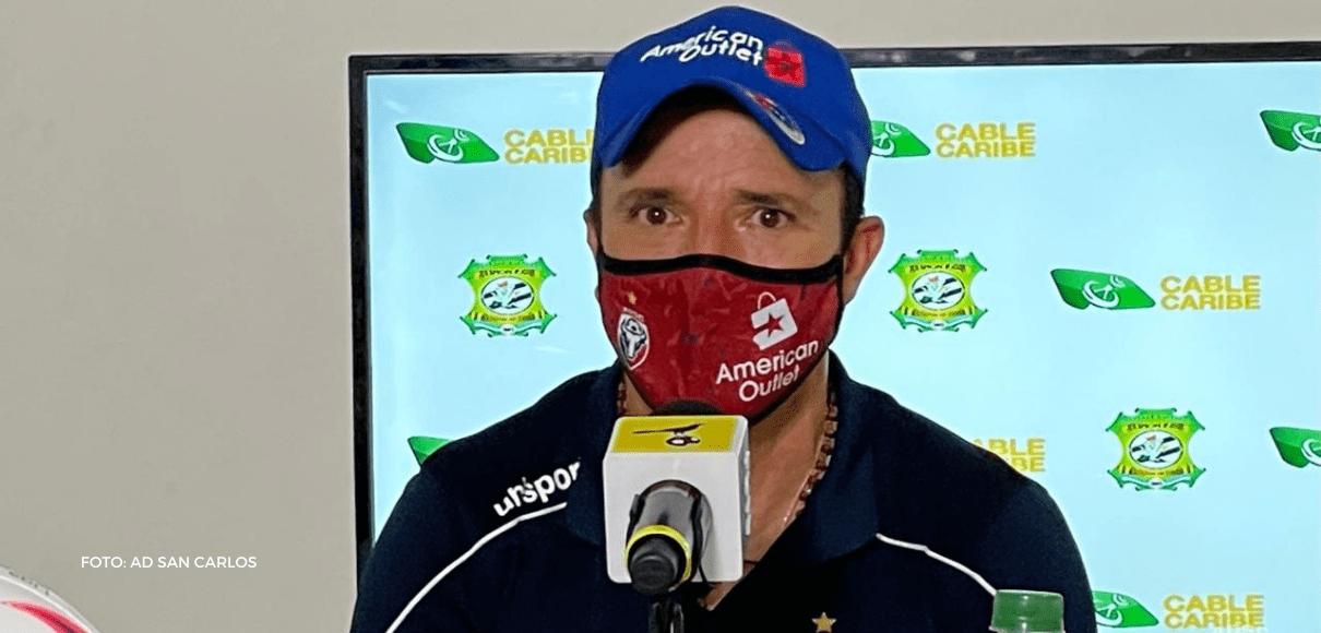 """Gustavo Martínez: """"Nos vamos a morir todos"""""""