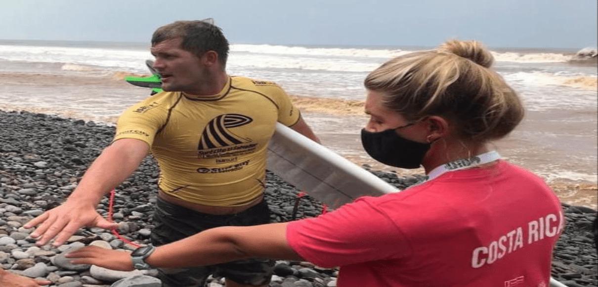 Leilani Mcgonagle avanza a ronda 5 del Mundial de Surf