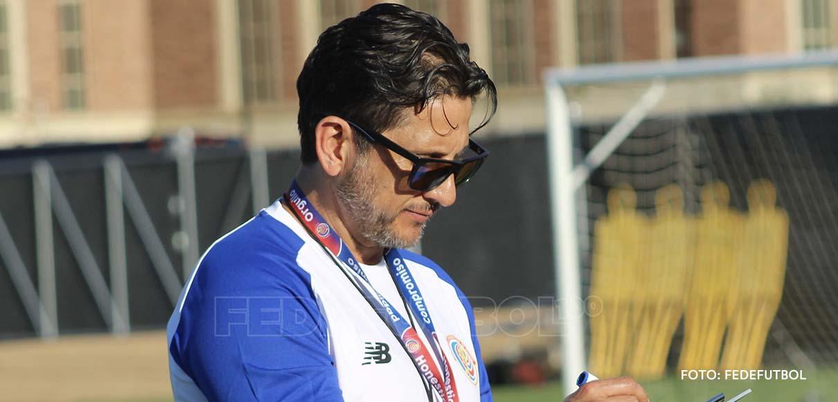 Ronald González debutó a 17 jugadores con la Selección Nacional