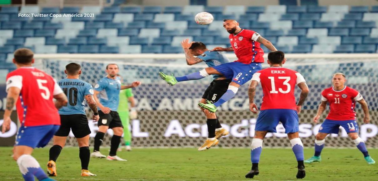 Uruguay y Chile igualan en un típico duelo de fútbol sudamericano