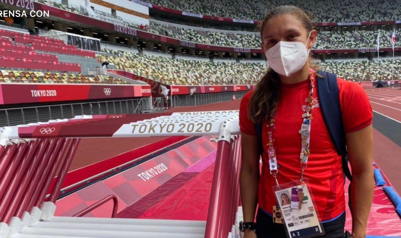 Andrea Vargas recorrió la pista donde competirá en los 100 metros con vallas