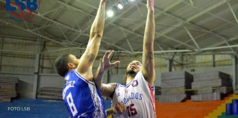 Escazú es líder en la tabla de baloncesto masculino