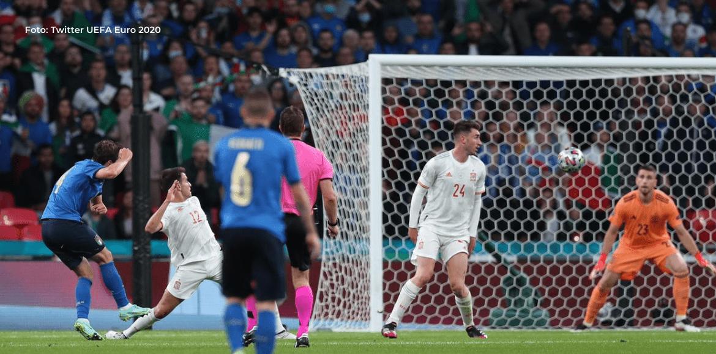 Italia pinta Wembley de Azzurri y jugará la final de la Eurocopa