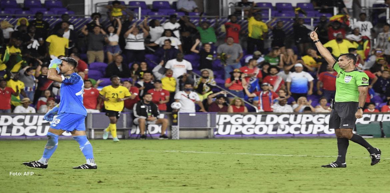 """Leonel Moreira: """"Esta camiseta vale oro"""""""