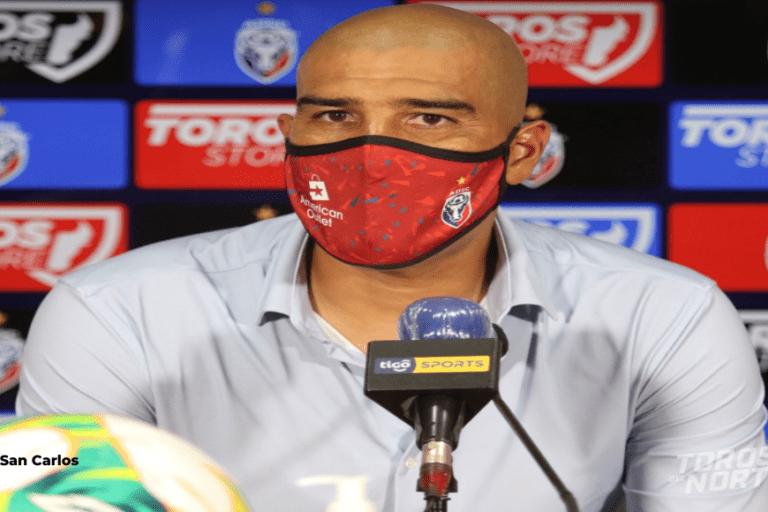 """Douglas Sequeira: """"San Carlos fue muy superior a Liga Deportiva Alajuelense"""""""