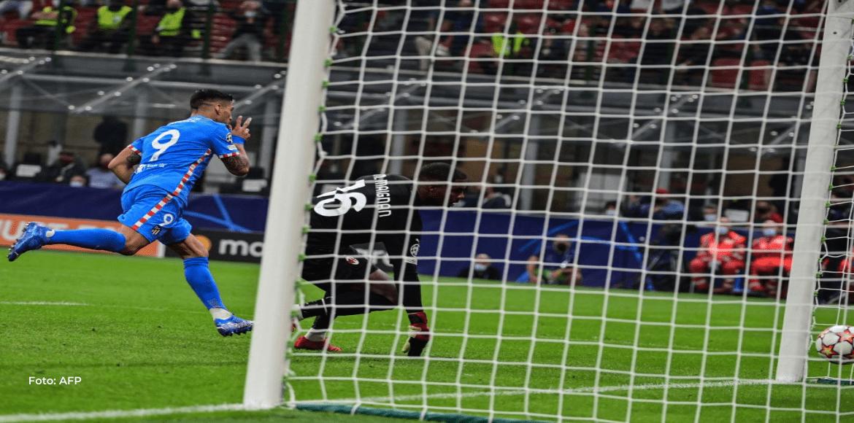 Griezmann y Suárez salvan al Atlético ante un Milan diezmado