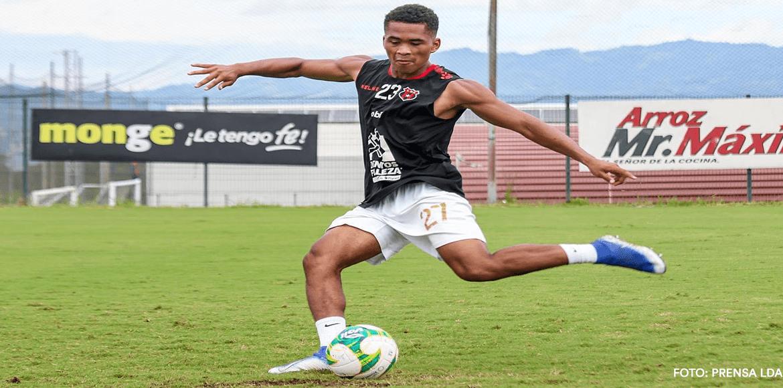 Ian Lawrence festejó ante Santos el primer gol de su carrera