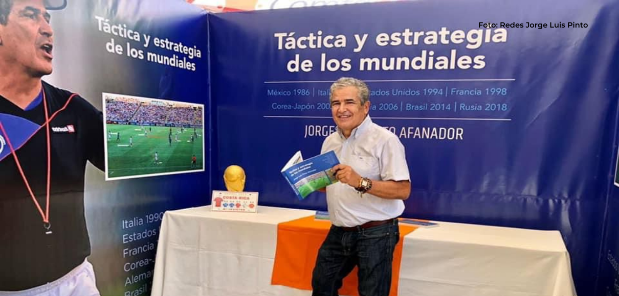 Jorge Luis Pinto presentó su nuevo libro en Costa Rica