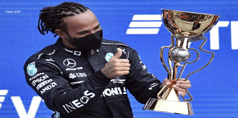 Hamilton alcanza los 100 triunfos en la F1 en un GP de Rusia bajo la lluvia