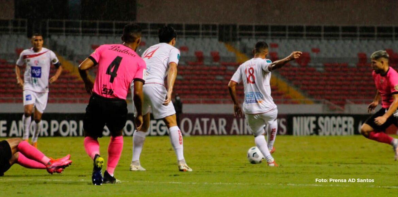 Santos hizo respetar la localia ganando primer round ante Plaza Amador