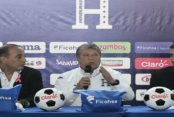 """Hernán """"Bolillo"""" Gómez fue presentado oficialmente como entrenador de Honduras"""