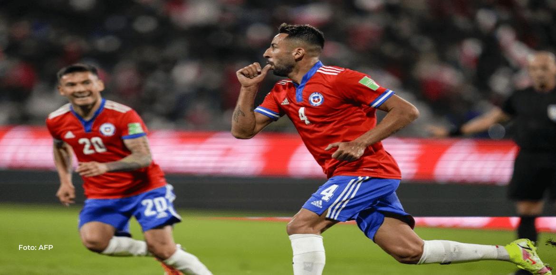 Chile le gana 2-0 a Paraguay y toma oxígeno en la clasificatoria sudamericana