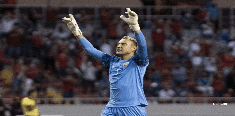 Keylor Navas sigue sosteniendo con sus guantes la esperanza mundialista