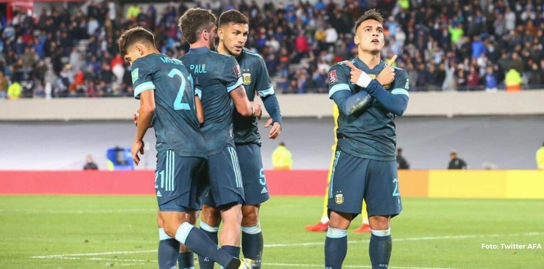 Argentina derrotó por la mínima a Perú y alarga su racha invicta